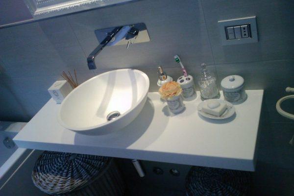 lavabo-in-appoggio-corian-1-1024x768